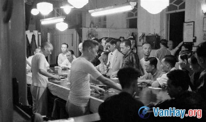 Bình giảng bài thơ Lai Tân trong Nhật kí trong tù của Hồ Chí Minh