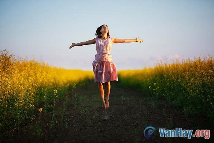 Hạnh phúc là bằng lòng với những gì mình có
