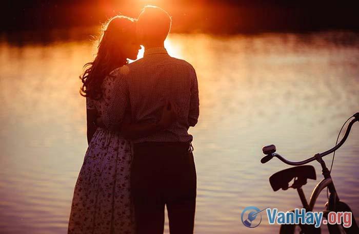 Tình yêu là sự rung động của con tim này đến với con tim khác